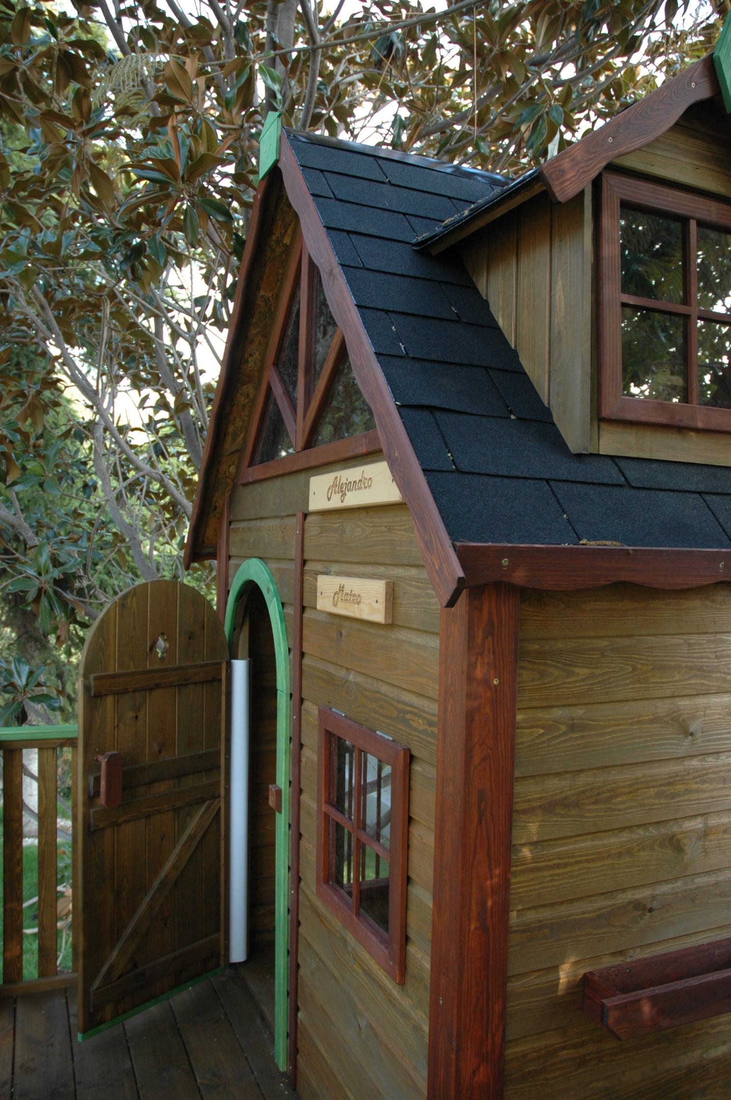 Casita de madera para ni os elevada mod kid estrucmader for Casitas de madera para ninos economicas